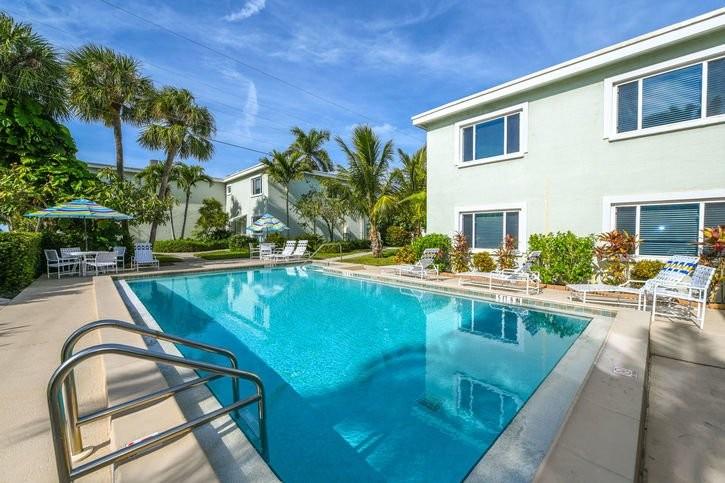 Palm Cay Pool