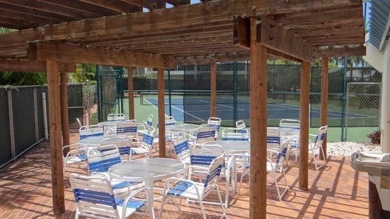 Tennis & Common Patio
